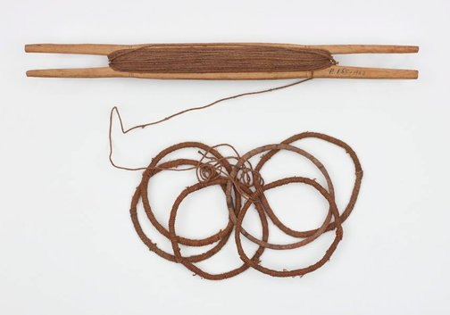An image of Shuttle, string and djali (armbands) by Unknown