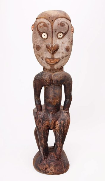An image of kaua tikit (orator's stool) by Iatmul people