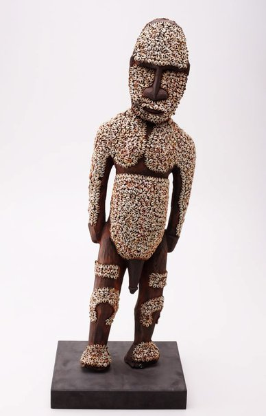 An image of Carved figure by Sepik people