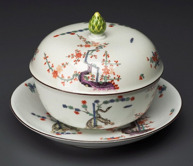 An image of Tureen, cover and stand