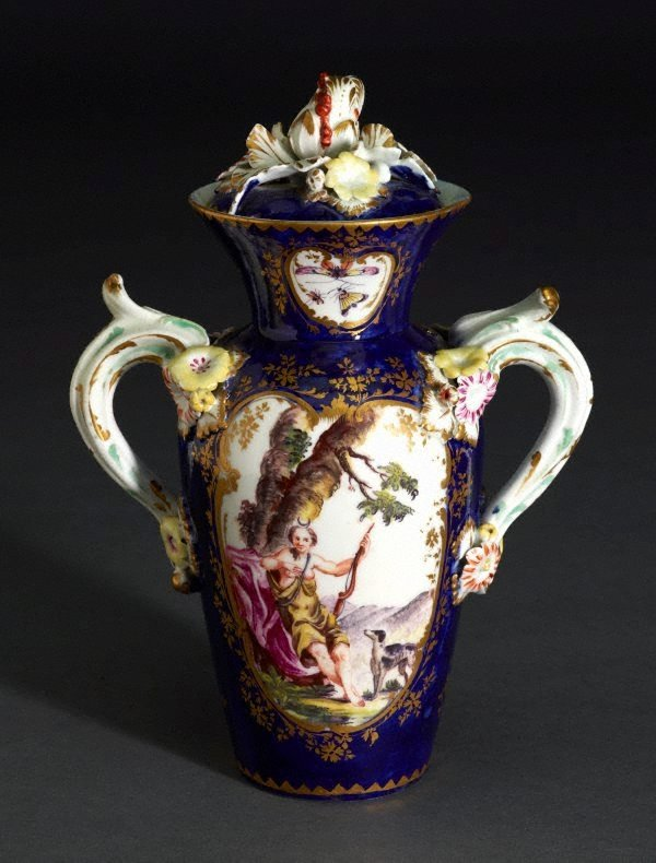 An image of Vase and cover