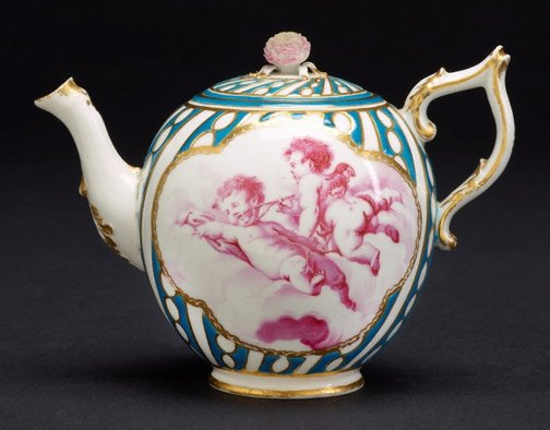 An image of Teapot and cover by Chelsea