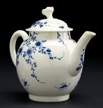 Alternate image of Teapot and cover by Worcester