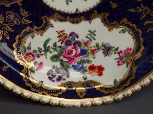 An image of Tureen, cover and stand by Worcester