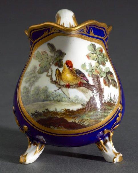 An image of Milk jug (pot a lait a trois pieds) by Sèvres