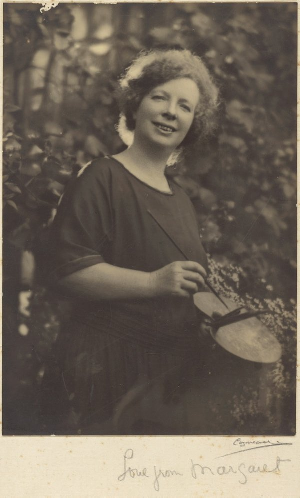 An image of Margaret Preston with her paint palette