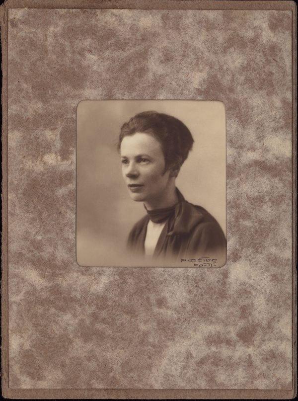 An image of Portrait of Grace Crowley in Paris