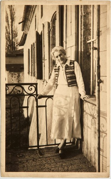 An image of Anne Dangar on the balcony at Moly-Sabata by Unknown