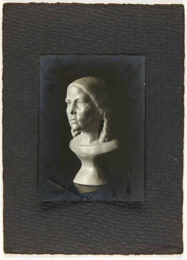 An image of Image of bust of young girl by Eleonore Lange