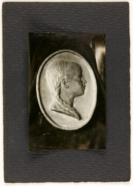 An image of Image of portrait medallion of a young girl by Eleonore Lange by