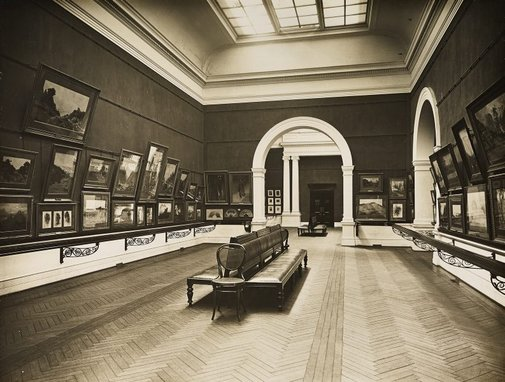 An image of Historical interior view of the northern side of court 1, adjacent to the boardroom of the National Art Gallery of New South Wales by Unknown