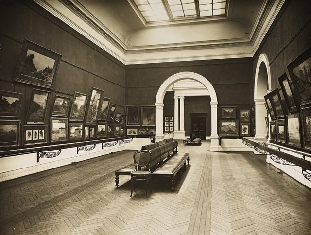 An image of Historical interior view of the northern side of court 1, adjacent to the boardroom of the National Art Gallery of New South Wales
