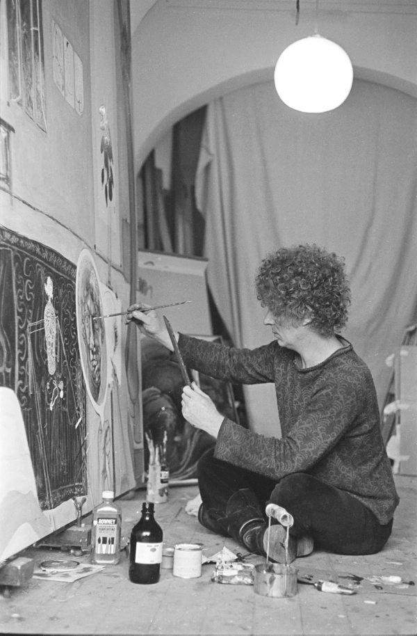An image of Brett Whiteley working on 'Self portrait in the studio' 1977