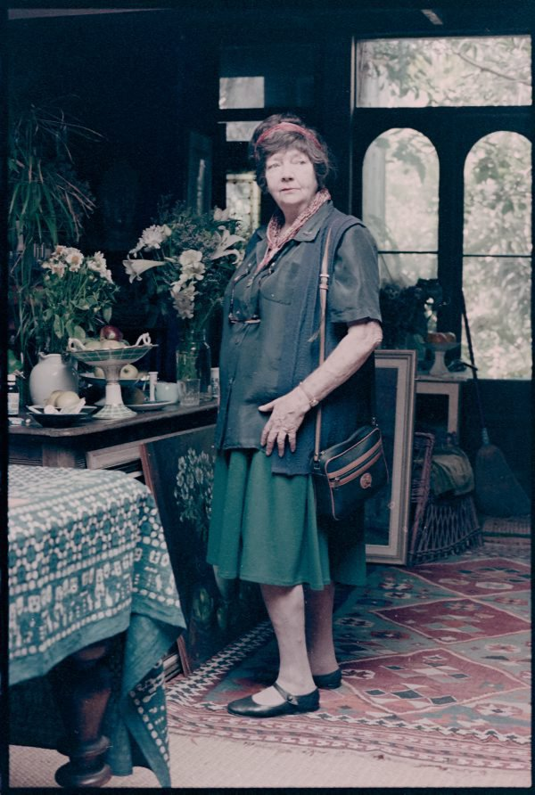 An image of Margaret Olley in her home at Paddington