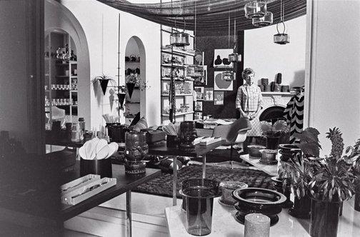An image of Marion Hall Best in her shop at 153 Queen Street, Woollahra by Robert Walker