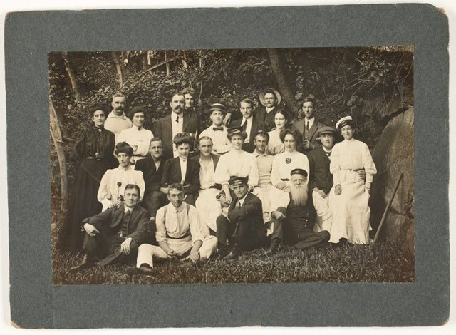 An image of Group portrait, Curlew Camp