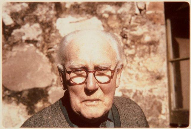 An image of Portrait of Hans Heysen at the door of is Hahndorf studio