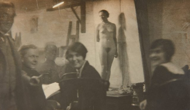 An image of Life drawing class at the J. S. Watkins Art School, Sydney
