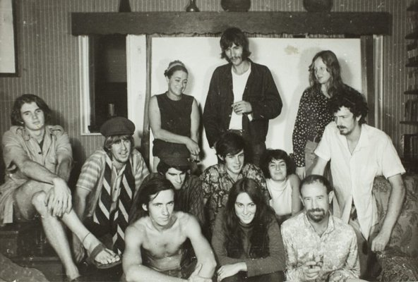 Alternate image of Herbert Flugelman with his students during the construction of the 'Black box' 1969 by Unknown