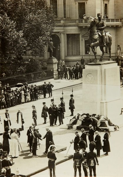 An image of The unveiling of the memorial statue of King Edward VII by Bertram Mackennal in London by Central News Agency