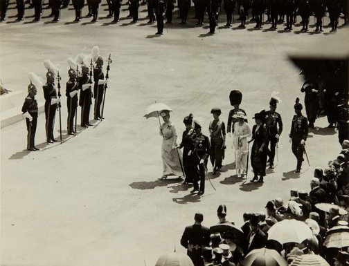 An image of King George VI proceeding to the unveiling of the memorial statue of King Edward VII by Bertram Mackennal in London by Central News Agency
