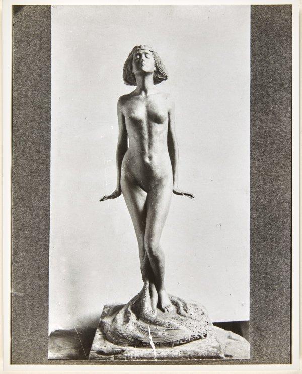 An image of Image of plaster cast for 'Le septième voile' by Dora Ohlfsen