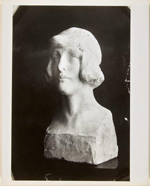 An image of Image of plaster bust of Nellie Stewart by Dora Ohlfsen by Dora Ohlfsen