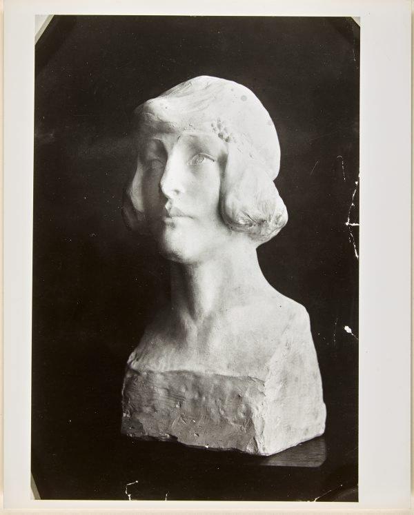 An image of Image of plaster bust of Nellie Stewart by Dora Ohlfsen