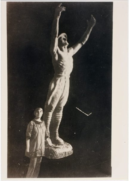 An image of Dora Ohlfsen with the plaster cast of 'Sacrifice', the central figure of her 1926 Formia war memorial, Italy by Unknown