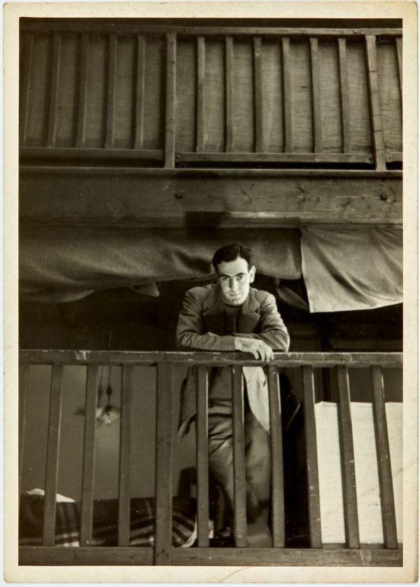 An image of Robert Klippel in his Paris atelier