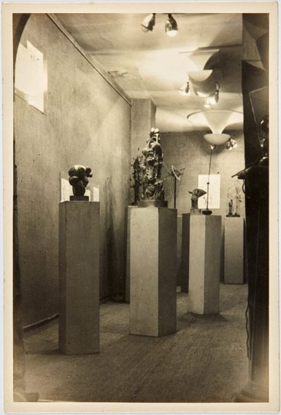 An image of Exhibition of Robert Klippel works at Galerie Nina Dausset in Paris by Robert Klippel