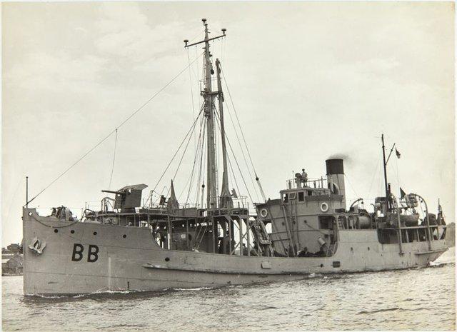 An image of HMAS Bombo