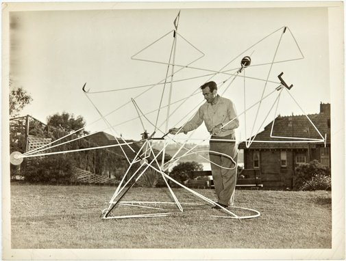 An image of Robert Klippel with Opus 56 1951 in the garden at his Kirribilli flat by Australian Consolidated Press