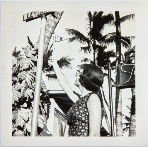 An image of Nina Mermey in Honolulu by Robert Klippel