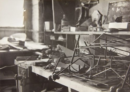 An image of Robert Klippel's workshop in Potts Point by John Pearson