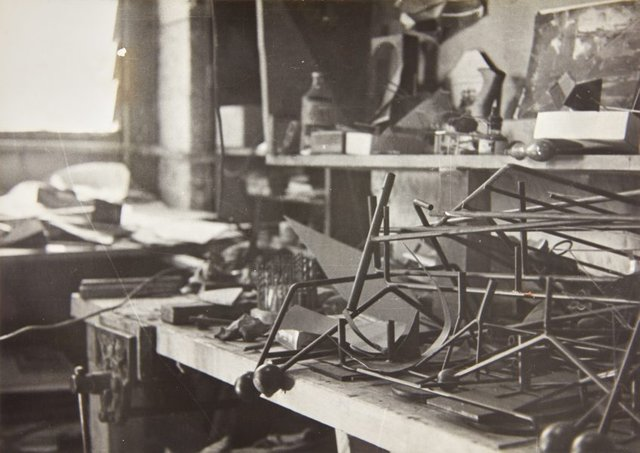 An image of Robert Klippel's workshop in Potts Point