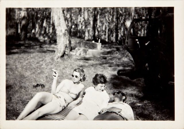 An image of Robert Klippel, Nina Mermey and friend