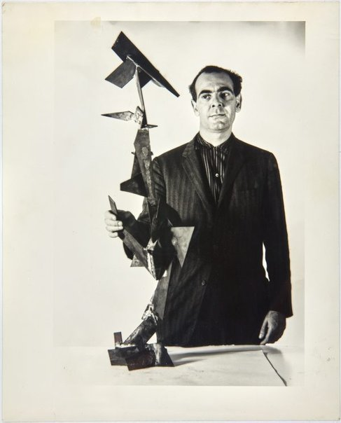 An image of Robert Klippel with Opus 86 by Unknown