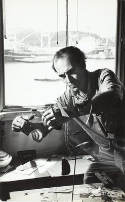 An image of Robert Klippel in his Birchgrove studio by