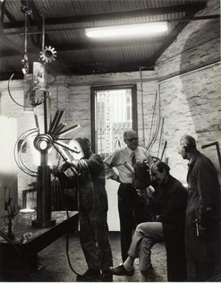 An image of Robert Klippel and Les Wild supervising the fabrication of 'Opus 264b' 1971 by Unknown