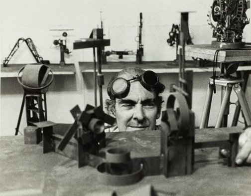 An image of Robert Klippel in his workshop by
