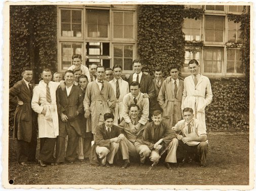 An image of Robert Klippel with his class at the East Sydney Technical College by Unknown
