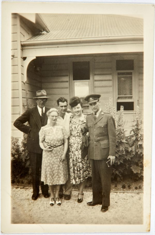 An image of Robert Klippel with his family