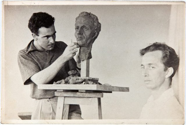 An image of Robert Klippel working on a portrait of Cliff Brown