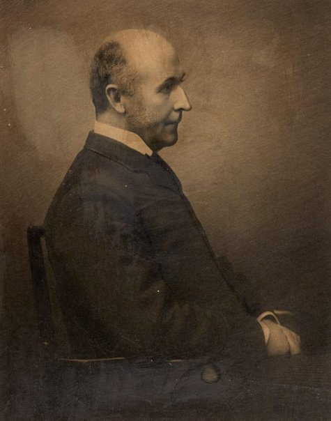 An image of Dr Frederick Norton Manning by Freeman Brothers