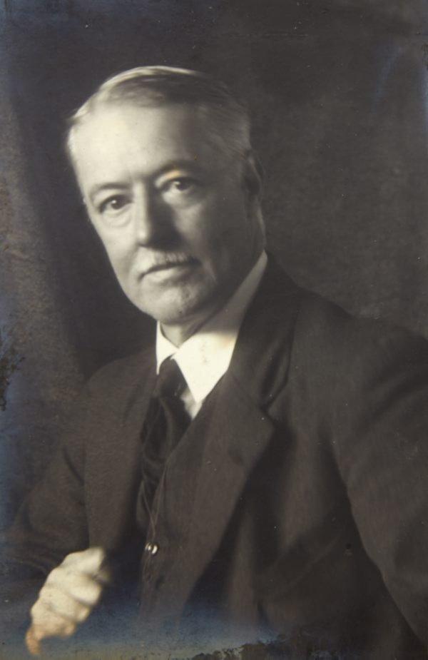 An image of Lionel Lindsay