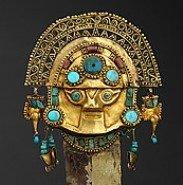Image: Sicán-Lambayeque culture, North coast 750–1375 AD, Tumi [knife] (detail) gold, silver, chrysocolla, turquiose, lapis lazuli, spondylus; 27.5 × 10.3 cm. Museo Oro del Perú, Lima. Photograph: Daniel Giannoni