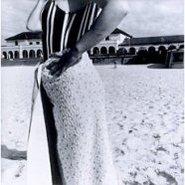 Image: Fiona Hall Bondi Beach, Sydney, Australia, October 1975 1975, gelatin silver photograph, 28.2 × 27.9 cm, Hallmark Cards Australian Photography Collection Fund 1987 © Fiona Hall