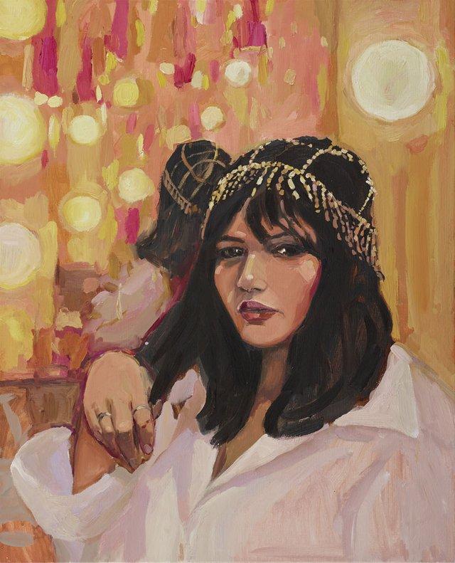 Nakkiah in her dressing room