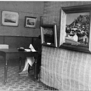 One hundred and fifty years of painting in Australia, Wagga Wagga, 1944. Photo by Ernest Tooley. National Art Archive | Art Gallery of NSW